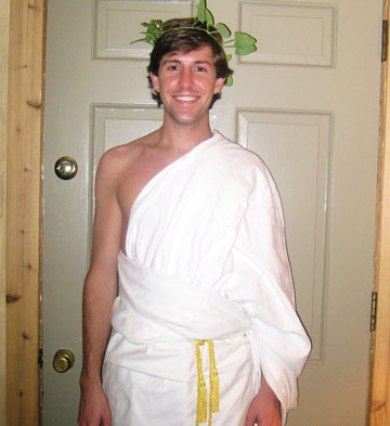 Diy halloween costumes slideshow care2 healthy living make an easy greek god or goddess costume using a white sheet wrap the sheet over one arm and secure with gold rope or ribbon accessorize with a green solutioingenieria Gallery