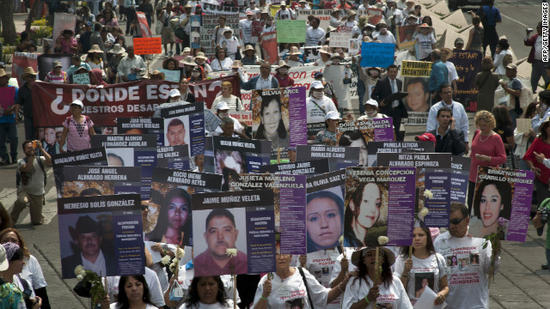 Mexico: Mother's Day March