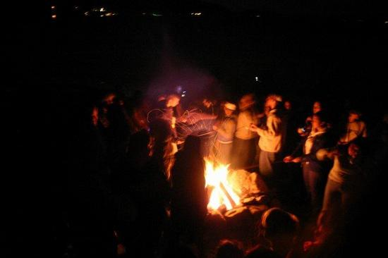 Bonfire_20with_20People.jpg