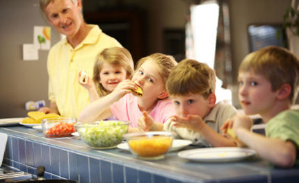 Urge Schools To Support�And Cultivate�Vegetarian Kids By Serving Plant-Based Lunches