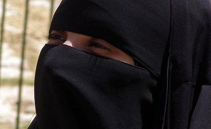 """Burka Rage"" Ensues In Wake Of Proposed French Ban on Veiling"