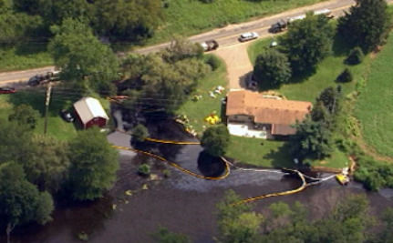 UPDATE: Michigan Oil Spill Prompts Local Evacuations