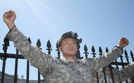 Dan Choi Re-Enlists in the Army as Openly Gay Soldier