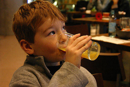 Cadmium and Lead in Popular Drinking Glasses Says New Report