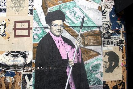 Artists Fight Museum's Whitewashing with Laser Graffiti (VIDEO)