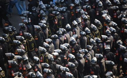Fifth Day of Protests in Egypt: Chaos, Curfews Ignored, Looting  [VIDEO]