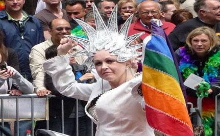 Cyndi Lauper to Open Homeless Shelter for LGBT Youth