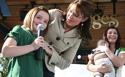 Palin Silent When Comedian Jokes About Special Needs Children (Video)