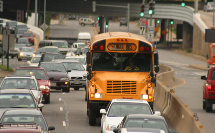 Few Americans Use Public Transport, Drive Alone Instead