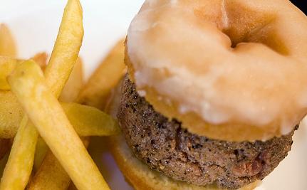 Junk Food Costs More Than Real Food: 4 Reasons We Keep Eating It