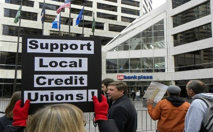 Banks vs. Credit Unions: Which Is Right For You?