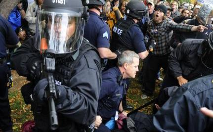 NYPD Forcibly Evict OWS Protesters, Destroy Property [Video]