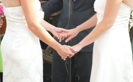 Suit Against NY Gay Marriage Law Can Proceed