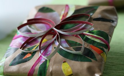 How To Eco-fy Your Christmas Wrapping