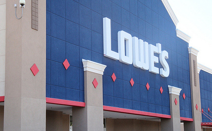 American Muslims Use Flash Mob To Occupy Lowe's [Video]