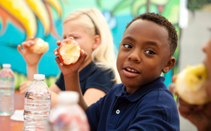 Michelle Obama Helps Debut Healthier School Lunches