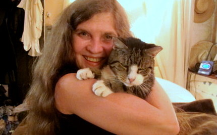 Dances With Tabby: Woman's Jouney to Save Battered Street Cat