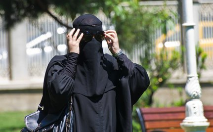Human Rights Group Condemns European Burqa Bans
