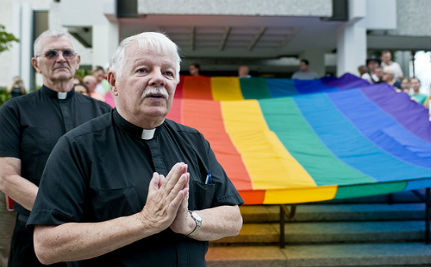 Bishops Protest Over Anglican Church's Gay Marriage Stance