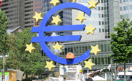 Euro Zone Crisis: No More Merkozy At Day 1 of Summit