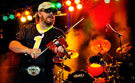 """Hank Williams Jr: Obama """"Hates America in the First Place"""""""