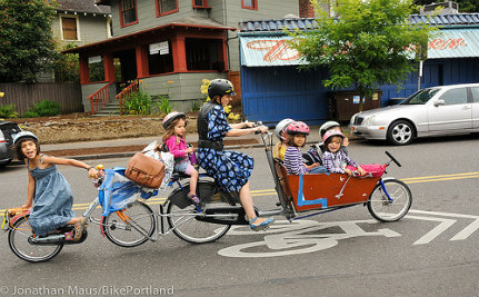 Mom Of Six Proves You Can Be A Car-Free Family