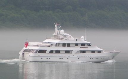 Romney F�tes Donors On Cayman-Flagged Yacht