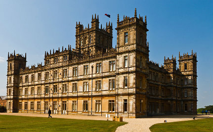 Downton Abbey Censored for Gay Kiss on Greek TV