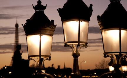 Paris to Go Dark At Night to Save Energy