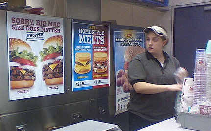 How Fast Food Franchises Cheat Workers Out of a Just Wage
