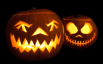 9 Eco Friendly Ways To Decorate Your House For Halloween Care2 Causes - Use-pumpkins-to-decorate-your-house-for-halloween