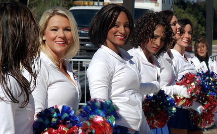 Cheerleaders Benched for Distributing Condoms to Classmates
