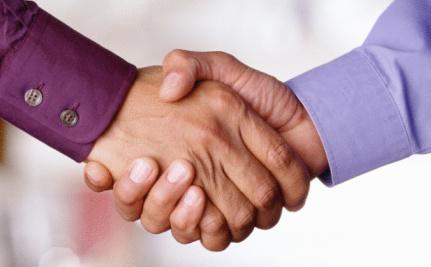 "Man Accused of ""Gay Handshake"" Stands Trial in Dubai"