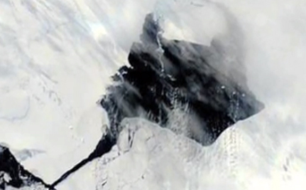 Help! An Iceberg the Size of Singapore Just Broke Off in Antarctica