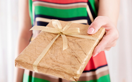 10 Ways to Fight the Gift Frenzy This Holiday Season