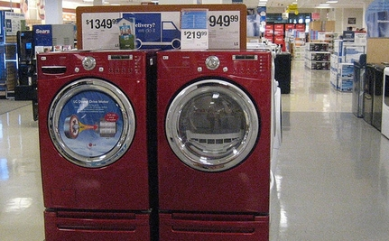Front-Load Washing Machine Controversy May Drive People Back to Energy-Wasting Models