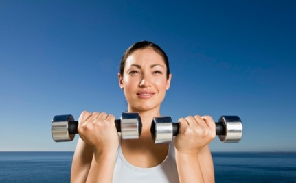 7 Ways Women Can Benefit from Lifting Weights