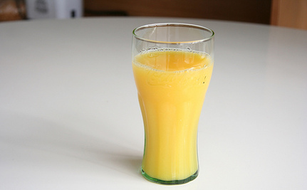 "Orange Juice: Not the ""Healthy"" Drink We Think it Is"
