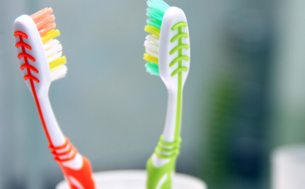 7 Tips for Keeping Your Toothbrush Germ-Free
