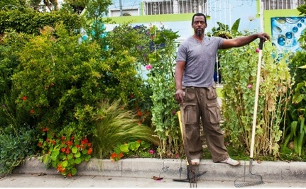 "How a ""Gangsta Gardner"" Changed How Los Angeles Polices its Sidewalks"