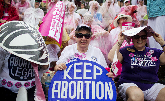 Stricter Missouri abortion rules take effect after legal fight