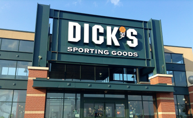 Major gun retailer to stop selling assault-style weapons — Dick's Sporting Goods
