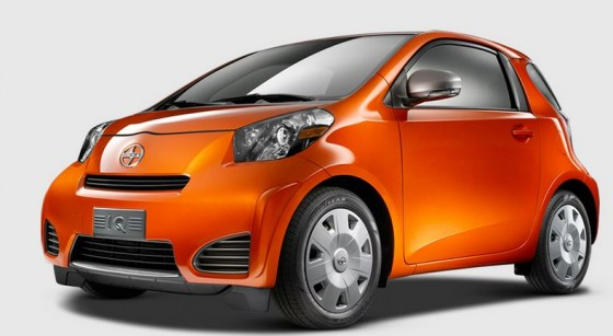 green-car-scion-iQ