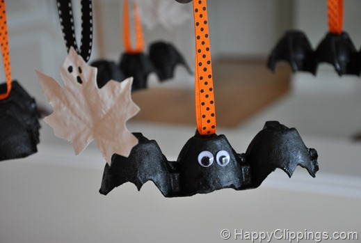 Eco-friendly halloween decorations egg carton bat