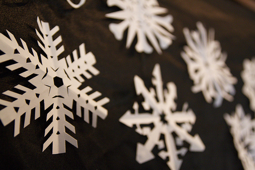 non-toxic holiday decorations paper snowflakes