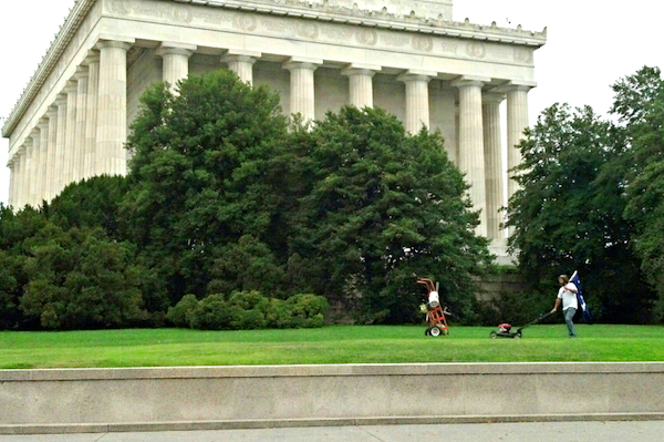 Chris Cox Mows at Lincoln Memorial