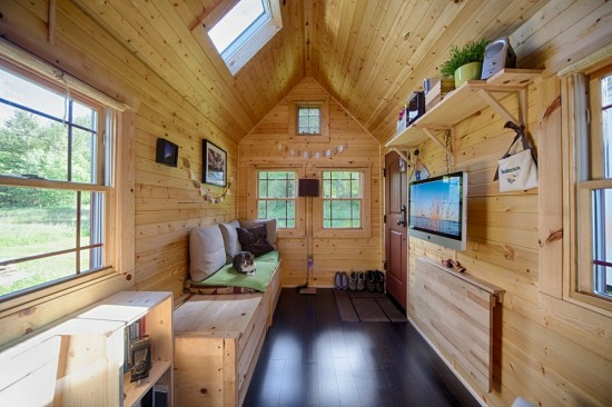 the story of chris and malissa tacks tiny house begins as many do with utter frustration at their high cost high stress lives and the desire to leave it - Smallest House In The World 2014