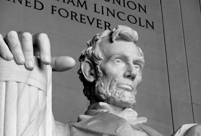 The Lincoln Memorial.  Photo credit: Thinkstock