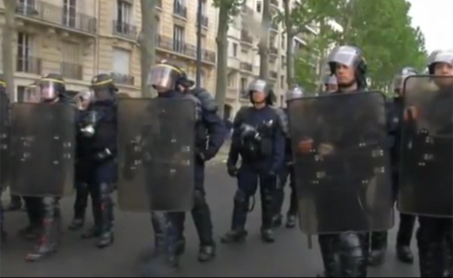 Paris-Police-in-Riot-Gear