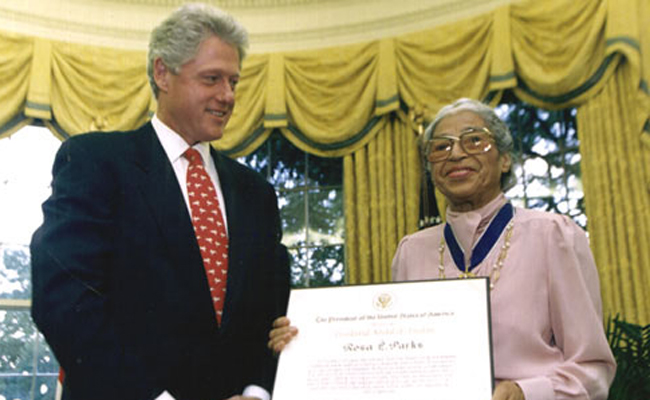 Rosa Parks receiving the Congressional Gold Medal in 1999